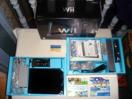 Nintendo Wii Console Wii Sports Resort Pak (Black)