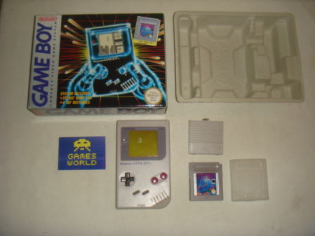 Game Boy: Grey