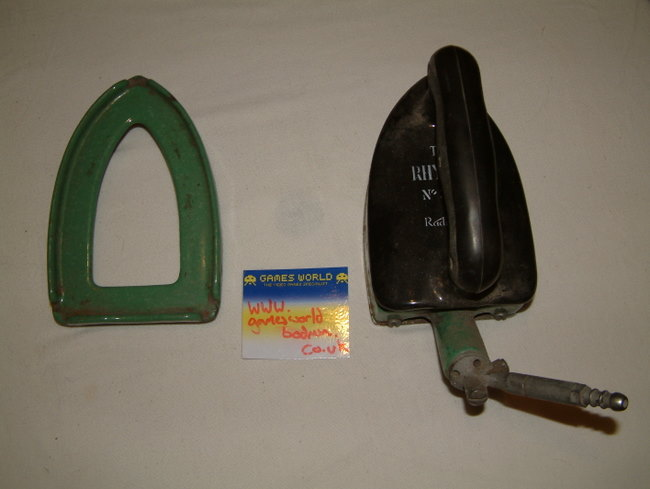 The Rhythm Radiation Gas iron with Stand