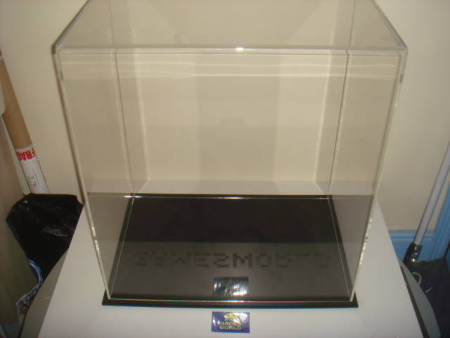 Acrylic Display Case: 67cm x 60cm x 40cm