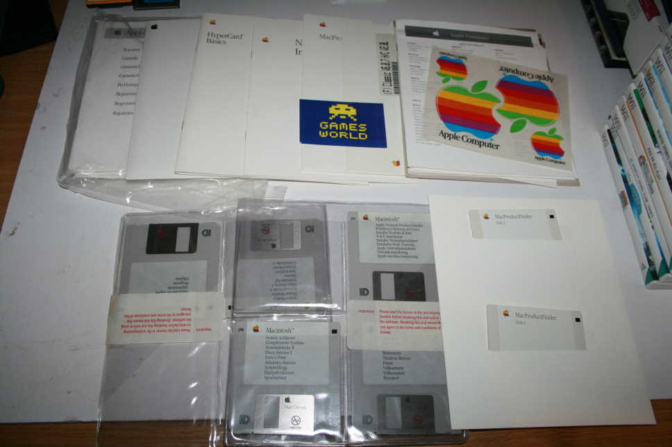 Apple Mac Vintage Macintosh Manuals Floppy Disks and Stickers