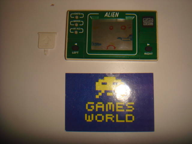 Bandai Alien LCD Game