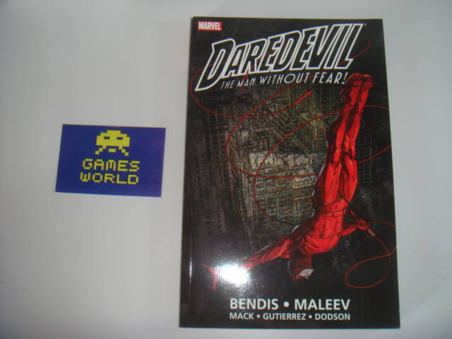 Marvel: Daredevil The Man without Fear Book 1