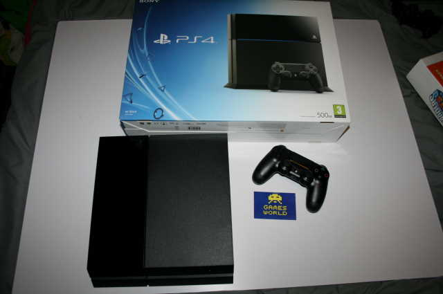 Playstation 4 Console: Black 500gb (PS4)