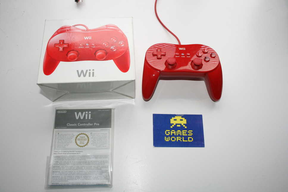 Nintendo Wii Pro Pad: Red